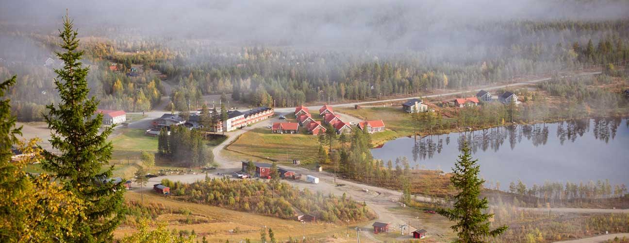 Sommarbild på Hotell Klövsjöfjäll.